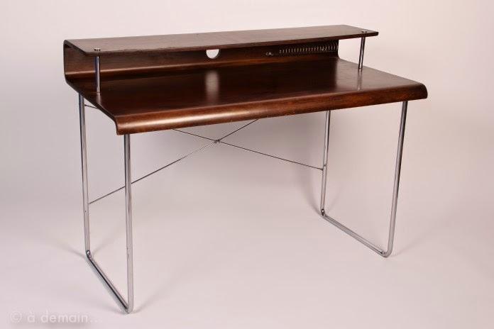 Vintage desk miluccia inspiration d coration et design - Bureau en bois design ...